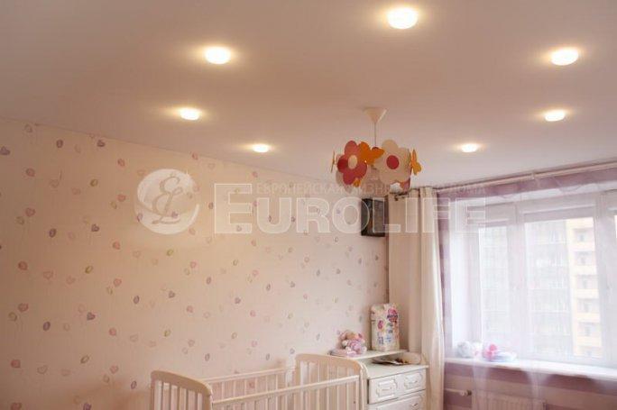 Натяжной потолок на тканевой основе в детской
