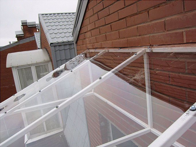 монтаж крыши из поликарбоната этап 5