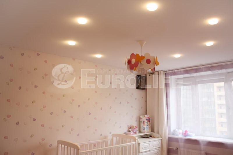 натяжной потолок в детской фото