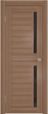 Дверь с прямыми линиями и вставками из стекла