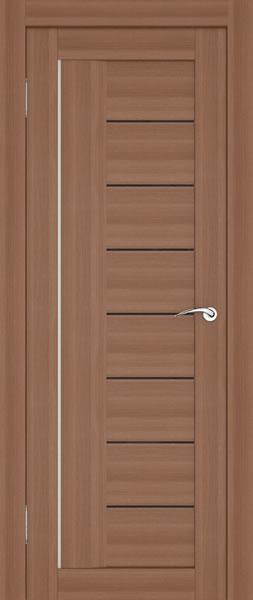 Дверь с самыми узкими вставками из стекла и алюминиевой полоской в качестве декора