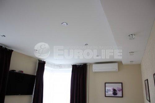 Двухуровневый тканевый натяжной потолок со светодиодным освещением