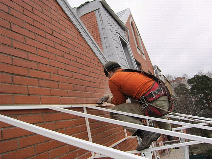 монтаж крыши из поликарбоната этап 2