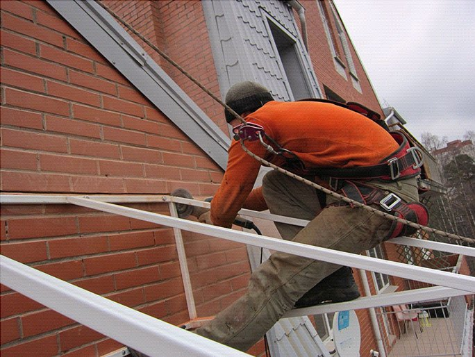 монтаж крыши из поликарбоната этап 3