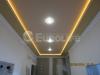 Матовый натяжной потолок с декоративной светодиодной подсветкой.