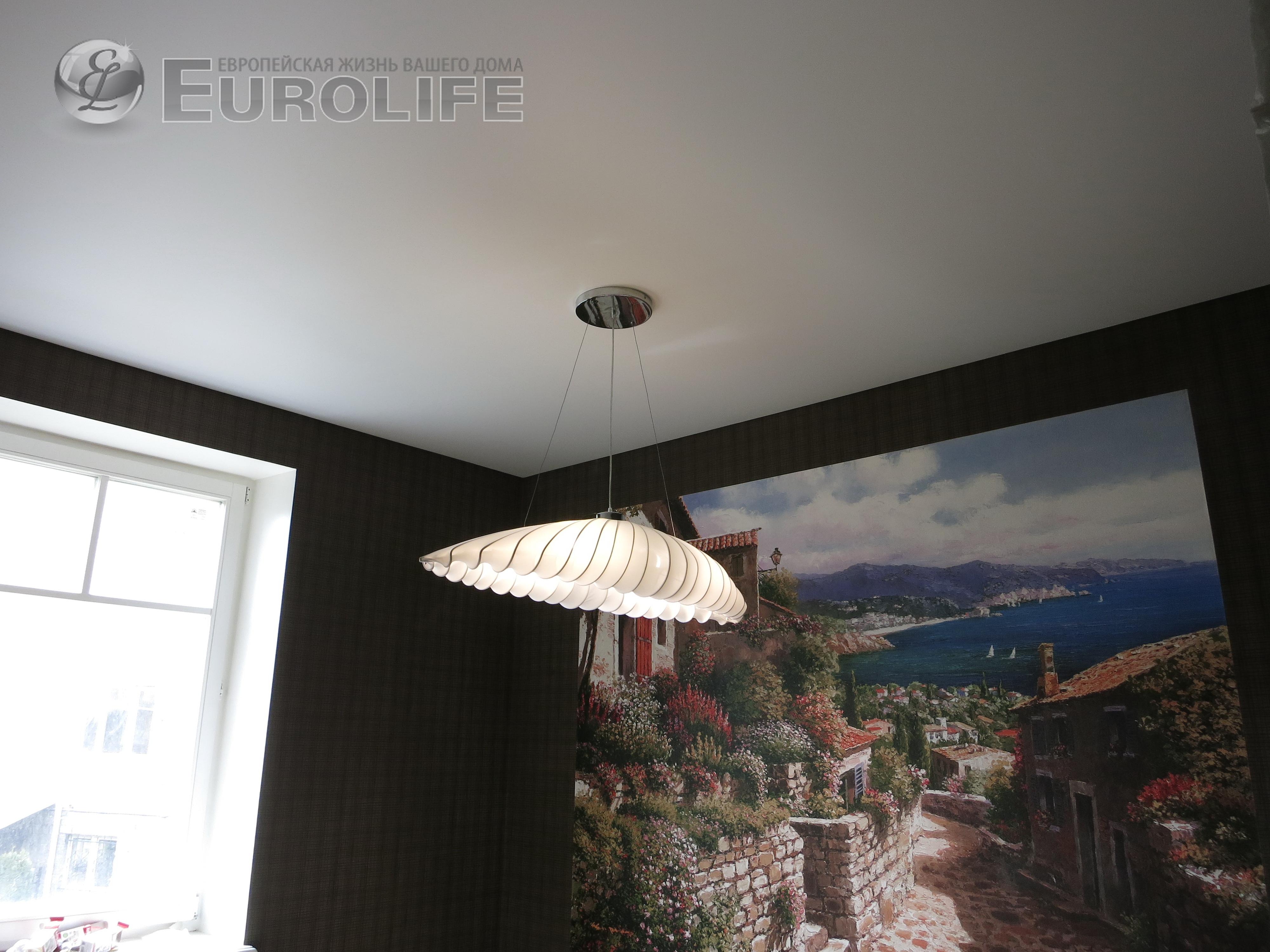 Интересные люстры для натяжного потолка
