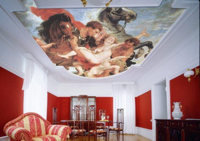классический сюжет фрески на потолке