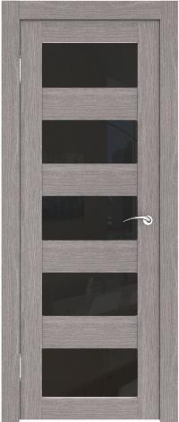 Серые двери с черными вставками идеально сочетаются с современными расцветками ламината.
