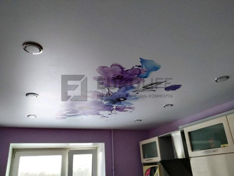 Фотопечать акварельного рисунка на натяжном потолке