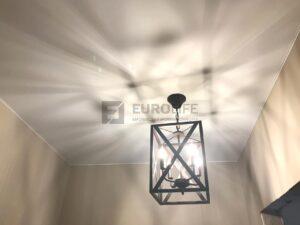 Интересная люстра для натяжного потолка