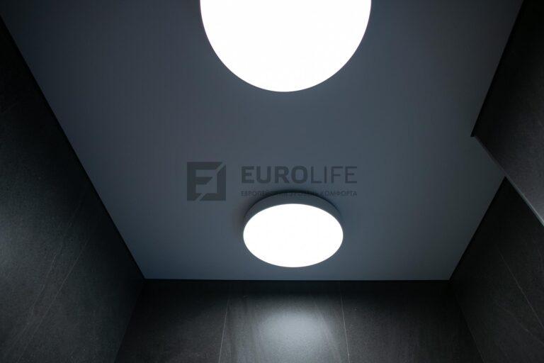 обратите внимание, как мягко рассеивает свет матовый керамогранит