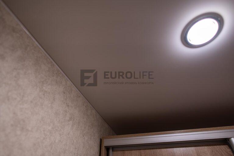 правильное расстояние светильника от линии шкафа