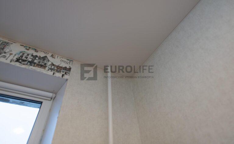 разрез натяжного потолка для обвода трубы