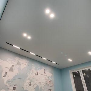 слотт с родными прямоугольными светильниками