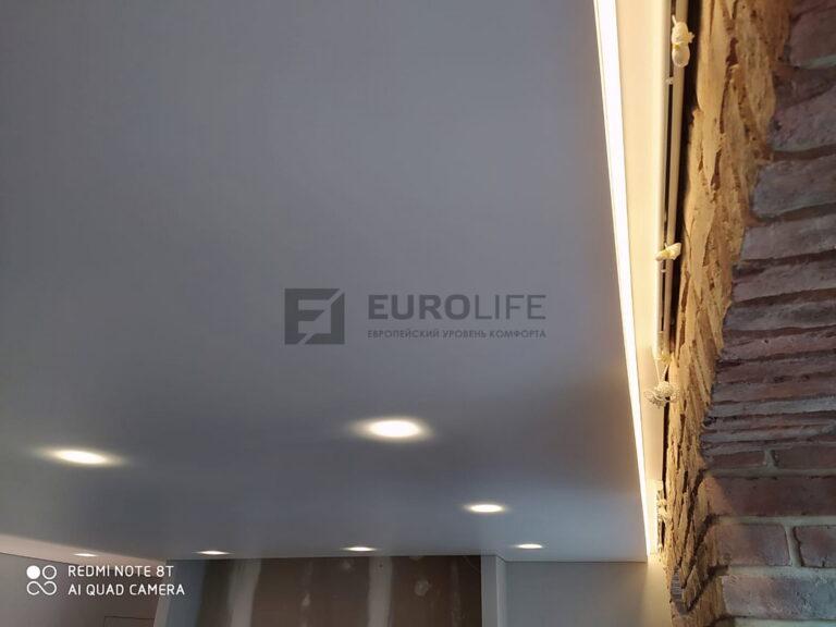 подсветка в нише под римские шторы в натяжном потолке