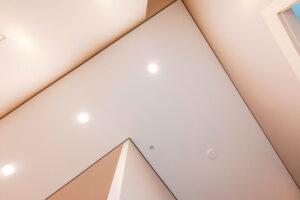Теневой потолок – подход к ремонту с точки зрения трендов