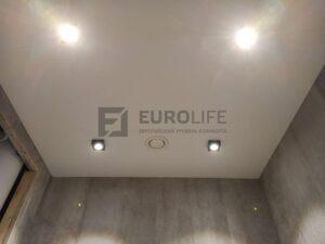 потолок без маскировочной ленты на керамограните