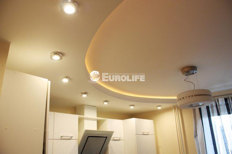 Двухуровневый потолок с закарнизным светом1