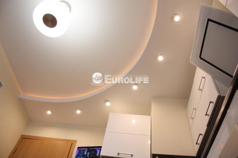 Двухуровневый потолок с закарнизным светом4