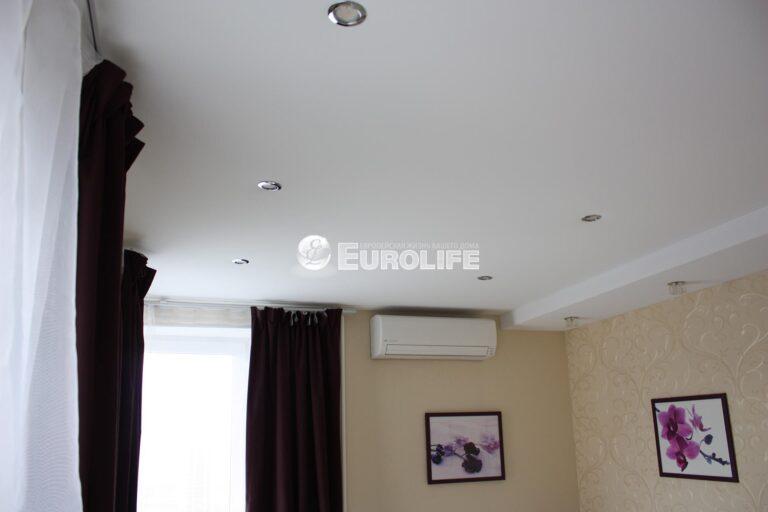 Прямолинейный двухуровневый тканевый потолок2