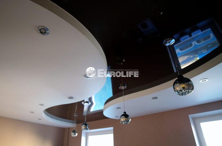 Трехуровневый натяжной потолок ПВХ на металлоконструкции2