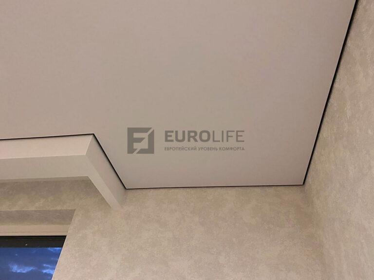 Теневое примыкание тканевого натяжного потолка к стене