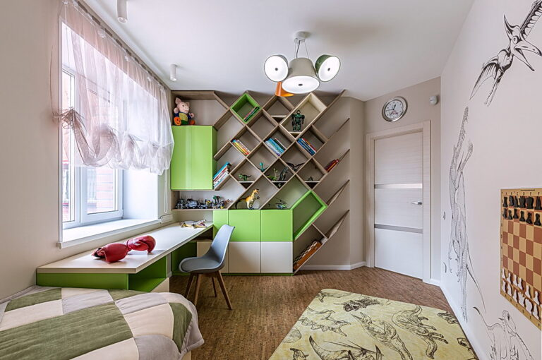 белый тканевый потолок в детскую